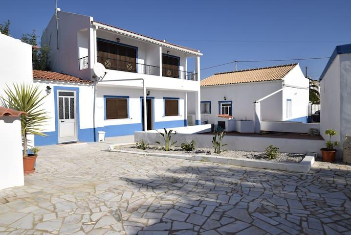 6 bedr Villa 8 min from the beach Pad 12PAX - Albufeira - House
