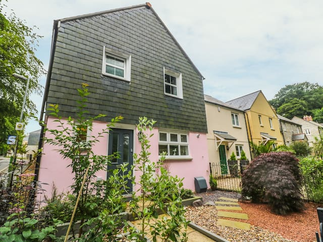 MARSHMALLOW HOUSE, family friendly in St Austell, Ref 985682