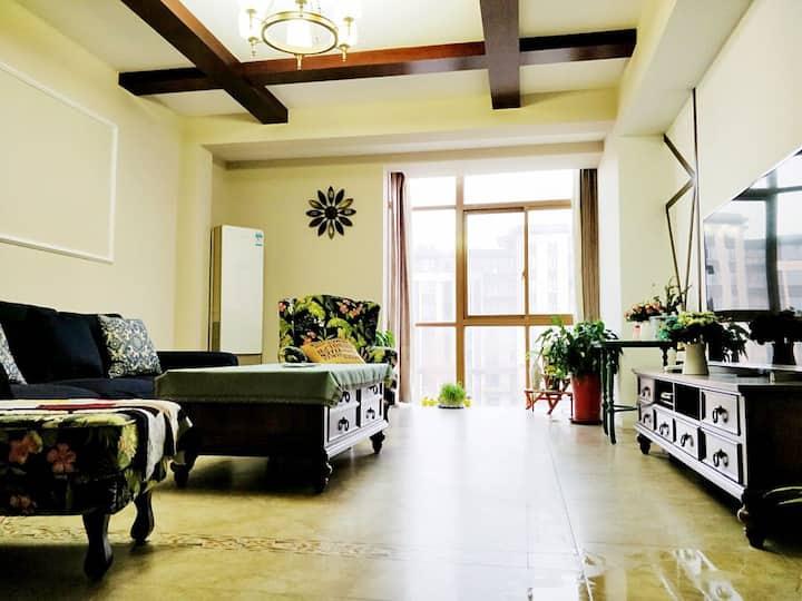 大空间独享,双层200平,瘦西湖畔美式复古风别墅,纯别墅社区免费停车