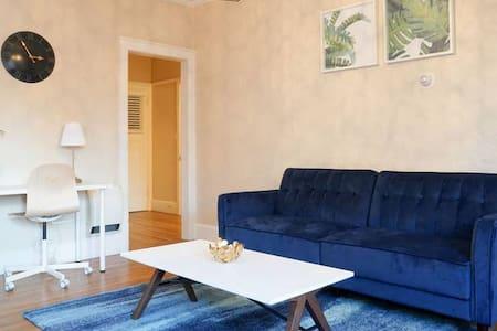 Elegant One Bedroom Apartment - W2