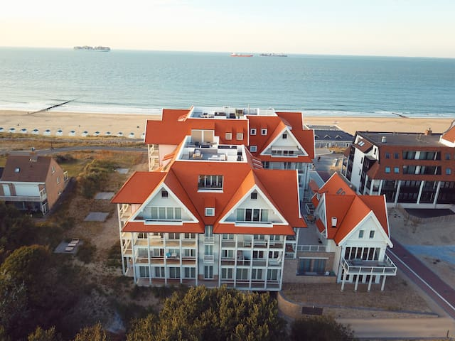 Beautiful  family beach house on the dunes