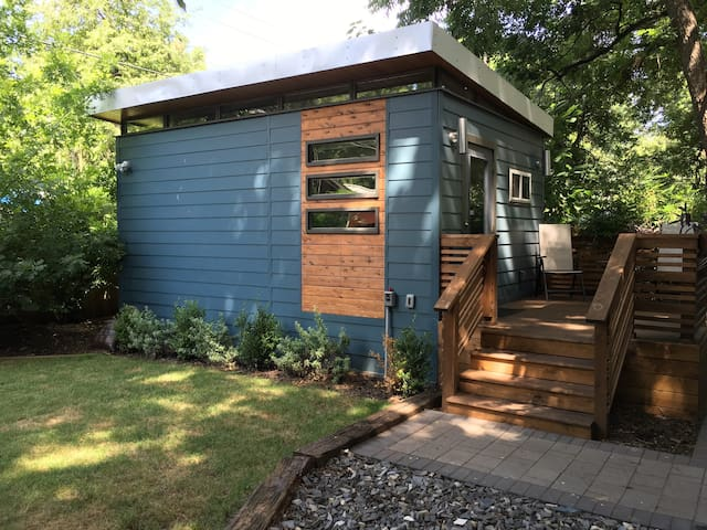 Tiny House: Heart of the East Side - Austin - Maison