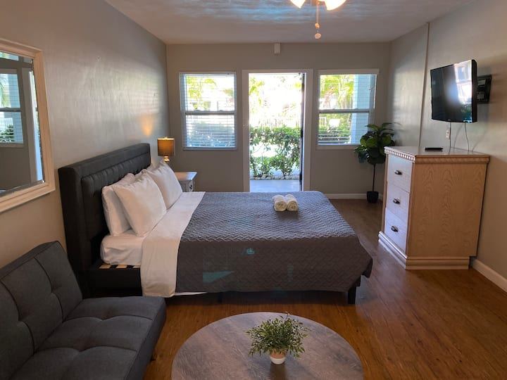 Tropical Breeze Apartment