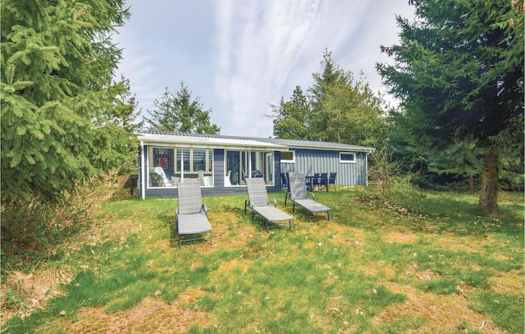 Holiday cottage with 3 bedrooms on 60m² in Løgstør