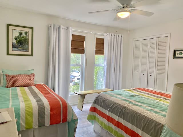 All bedrooms have room darkening shades and bamboo blinds ! Queen bed and a single in this room !