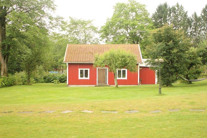 Ruim (90m2) 6 persoons Vakantiehuis in Mariestad