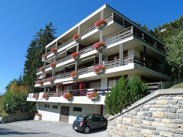 Holiday apartment Yuca B in Crans-Montana