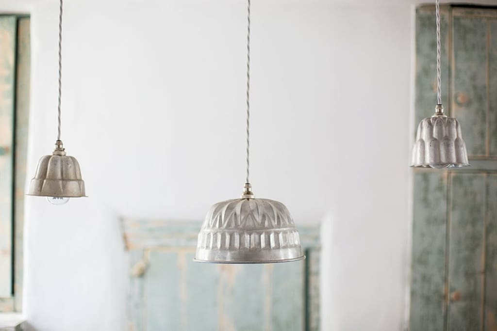 Ambient lighting for cosy dining