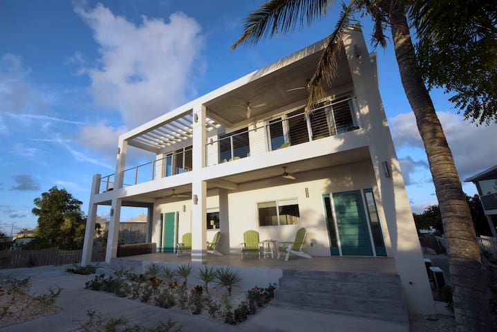 Palm Suite - Drift Villa on Grand Turk