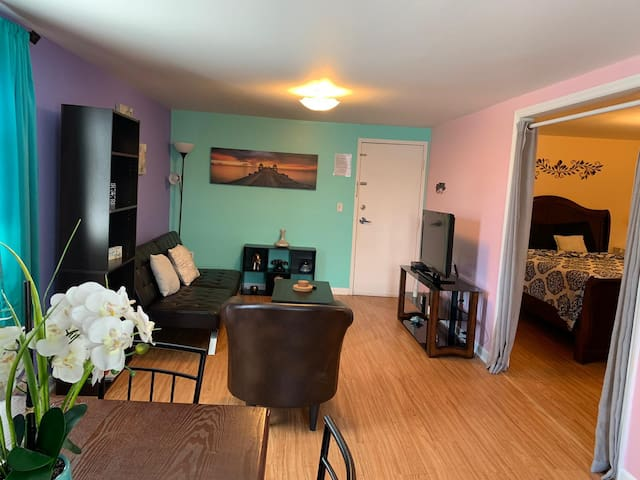 BEST LOCATION! 1 BR in the heart of Times Square!