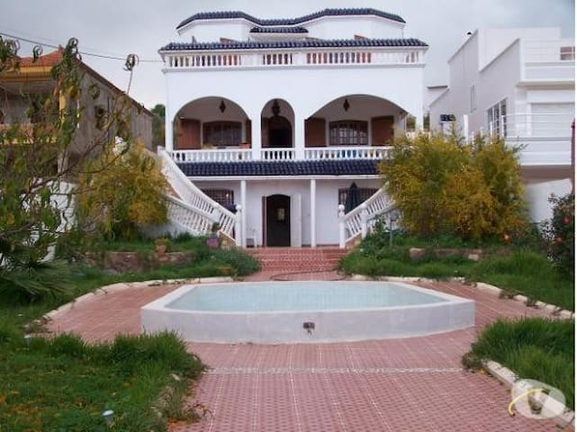 Villa in ahfir,pool and a garden - Ahfir - Hrad
