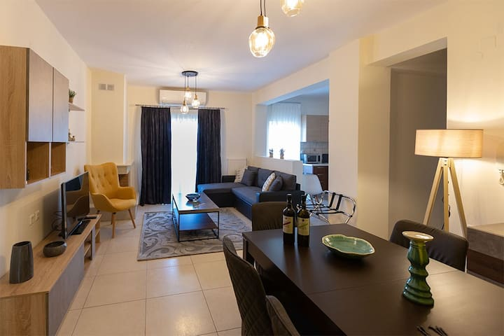 V Luxury Apartment 1