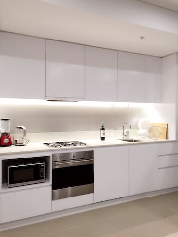 Cosy one bedroom Close to airport - Wolli Creek - Wohnung