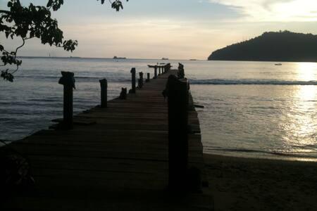 tintin homestay - Padang - Bed & Breakfast