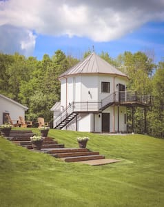 Silo Suite with Berkshire Mountain Views!