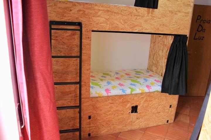 Banana Beach House Four Bed Mixed Dormitory