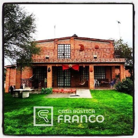 Casa rústica Franco
