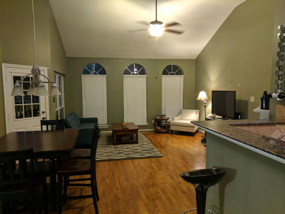 2 Bedroom 2 Bath Townhouse in Woodland Heights with large upstairs living area and 2nd story patio