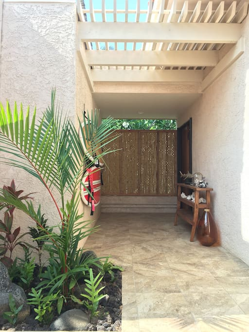 Private entrance into the studio from the Villa courtyard.