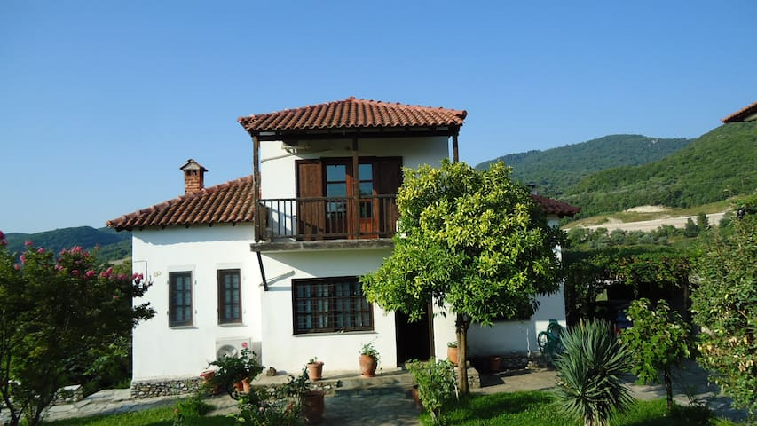 Beautiful country house at the port of Olympus - Platamon - Rumah
