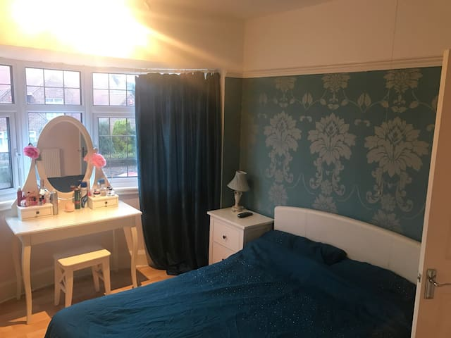 Deluxe double with shared bathroom - Worksop - House