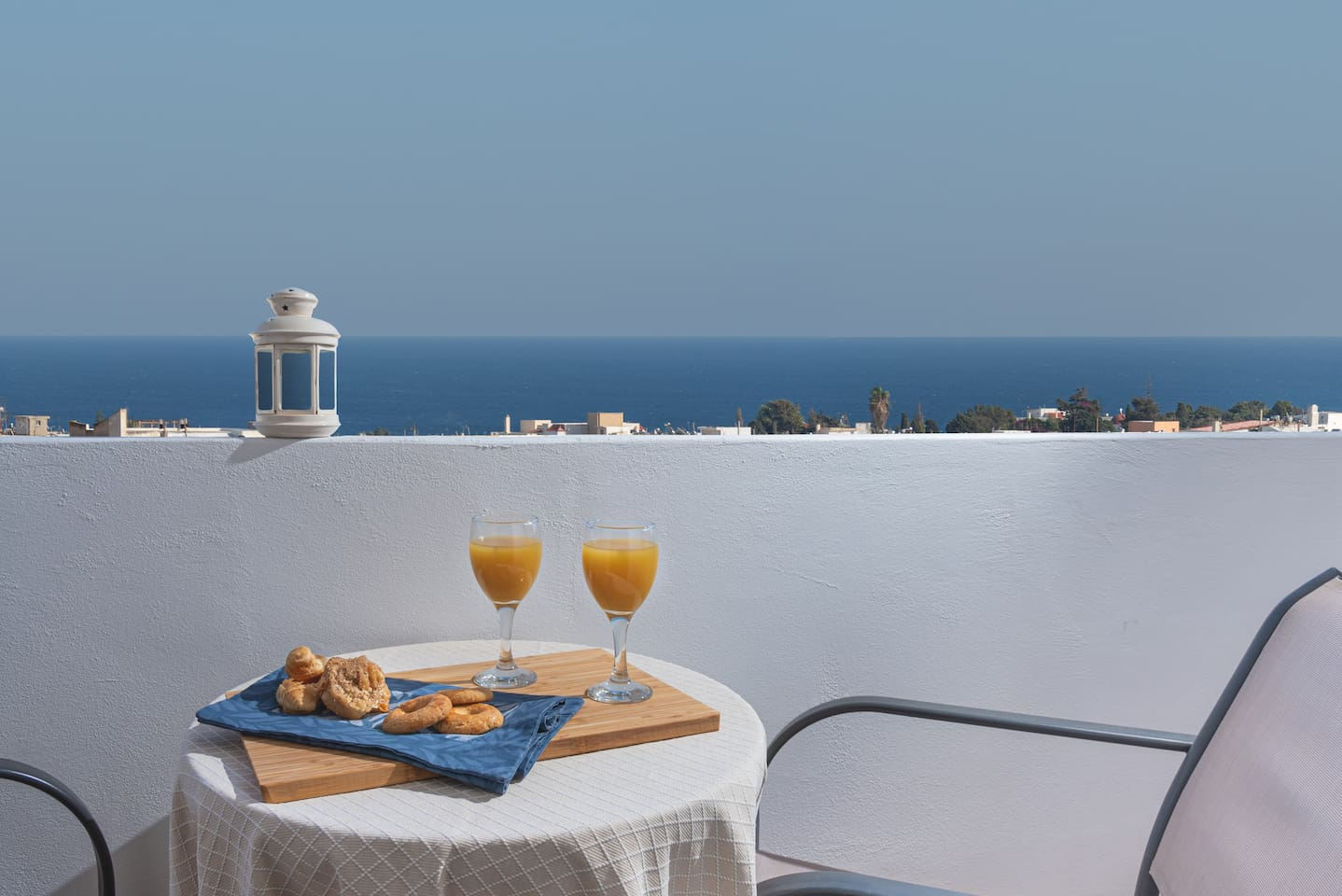 Start your day with breakfast al-fresco and breathtaking views!
