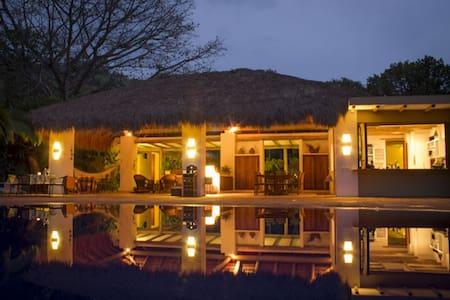 Hermosa finca- Casa, vista, piscina, lago - Villeta