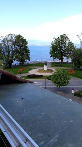 Appartement T1 40m2 cente ville vue lac