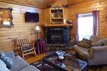 Country Charm Cabin 6