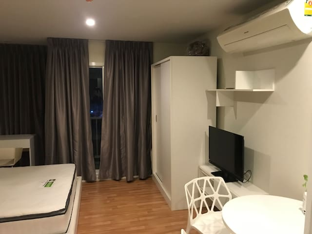 Studio room fully furnished ready to move in