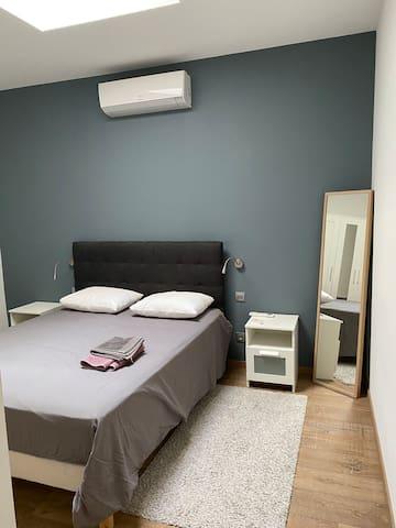 Lit en 160 chambre spacieuse