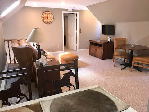Cozy Mother-In-Law Apartment—Dr. Combacker's