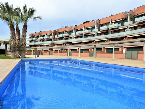 Acollidor apartament amb piscina
