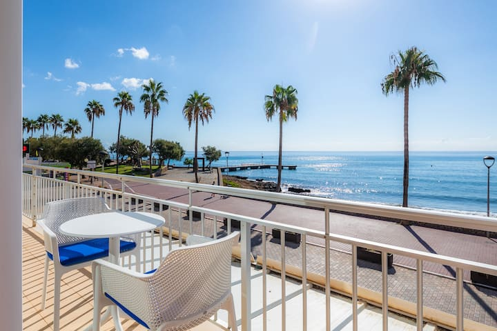 "Cozy Holiday Apartment ""Alborada Apartamento Mallorca"" with Sea View, Terrace, Air Conditioning & WiFi; Street Parking Available"