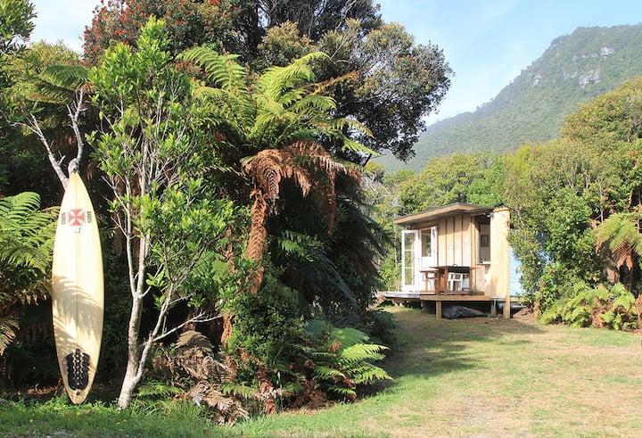 Stella's Cabin... 'In the heart of Punakaiki'