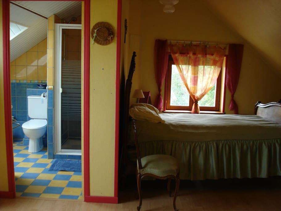 La gautellerie bed breakfast in affitto a grez for Mini salle d eau dans une chambre