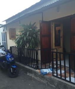petite maison sur petite terre - Pamanzi