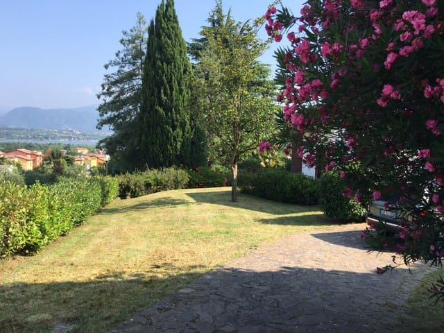 Villino singolo con giardino - Manerba - Hus