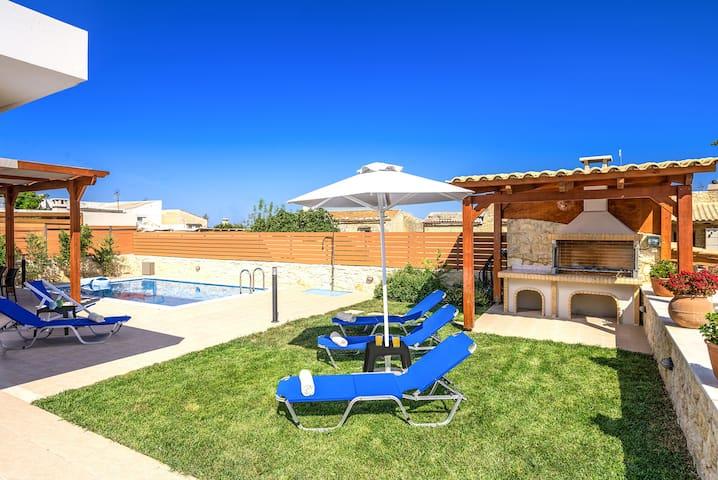 Maria's Villa I, Comfort & Style!