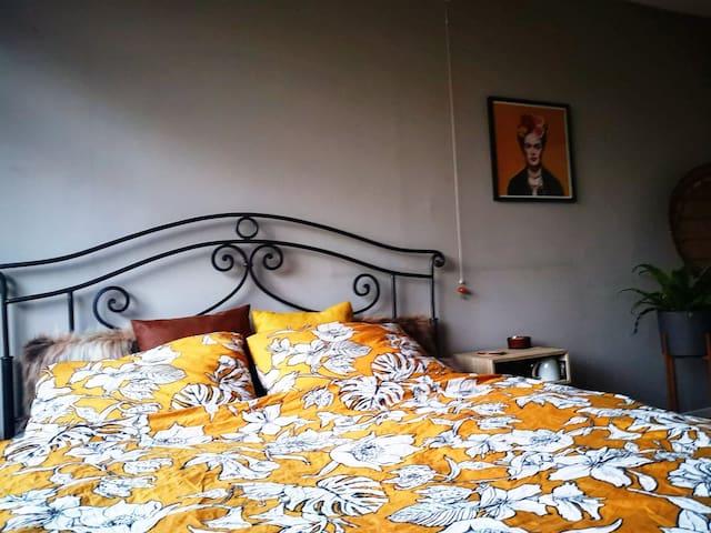 Cozy room near De Bosuil + Bospop   Weert
