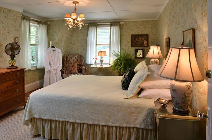 Cottage - Hilltop House Bed & Breakfast