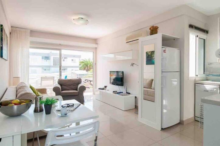 Modern Apartment close to the beach - San Agustin.