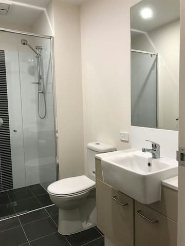 New Modern 2 Bedrooms Apartment in Swan Valley