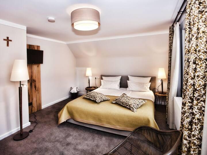 Ferienwohnungen Hotel Gasthaus Hirschen, (Gaienhofen), Ferienhaus Nina, 100 qm, 1 Wohnzimmer, 2 Schlafzimmer, max. 4 Personen