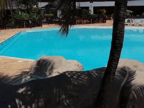 New studio Ti caribéen petite vue mer et piscine