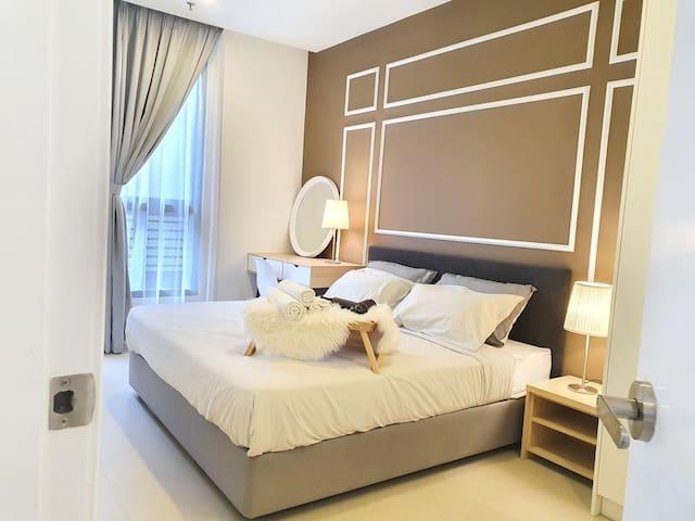 Mont Kiara 2 Bedroom @Arcoris 163 One MK MATRADE