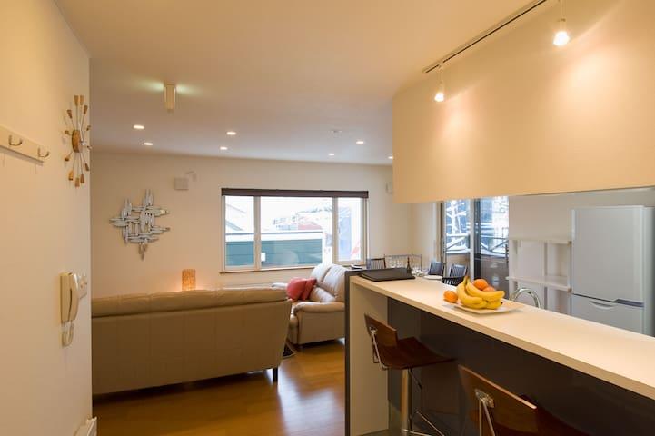 Nichigo#2 3bdr apartments in Central Hirafu