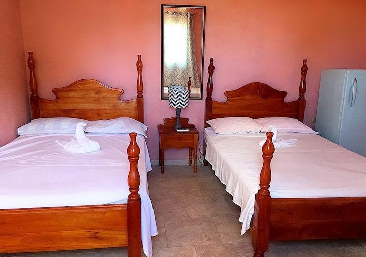 (Room # 1) Hostal Mirelys y Nelson