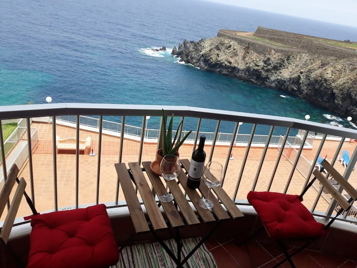 Studio in Playa San Marcos, with wonderful sea view, shared pool, furnished terrace - 20 m from the beach