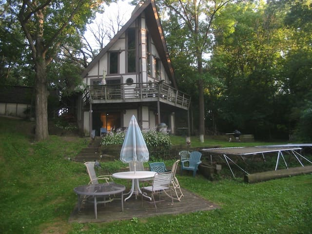 Private in-law apt. on the Popular Chain of Lakes! - McHenry - Appartement